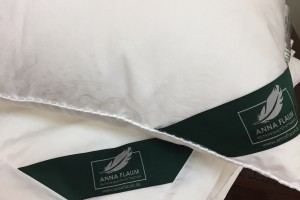 Подушка Flaum Eleganz 70x70 мягкая