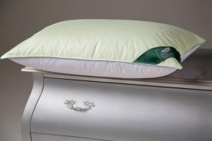 Подушка Flaum Rogenbogen 70x70 средней упругости мятно-белая
