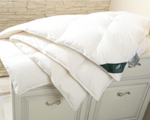 Одеяло Flaum Sahne 150x200 всесезонное